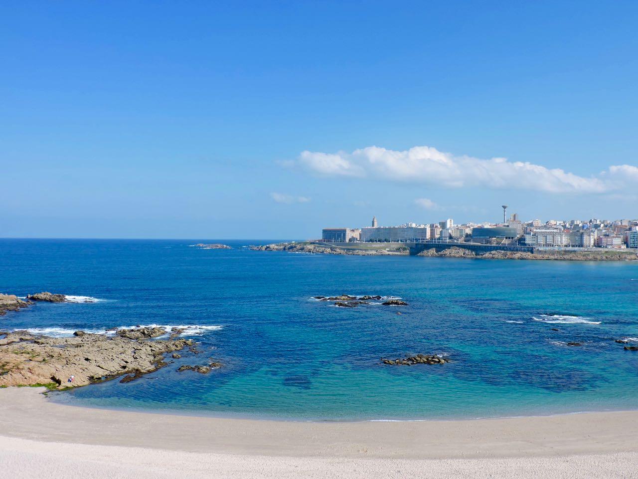 Piso primera linea de playa riazor la coru a arvain servicios inmobilairios - Piso en la coruna ...
